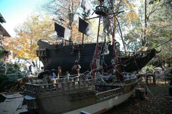 Succasunna Nj Pirate Ship House Halloween 2020 The Most Spooktacular Halloween Houses in New Jersey   NJ Family